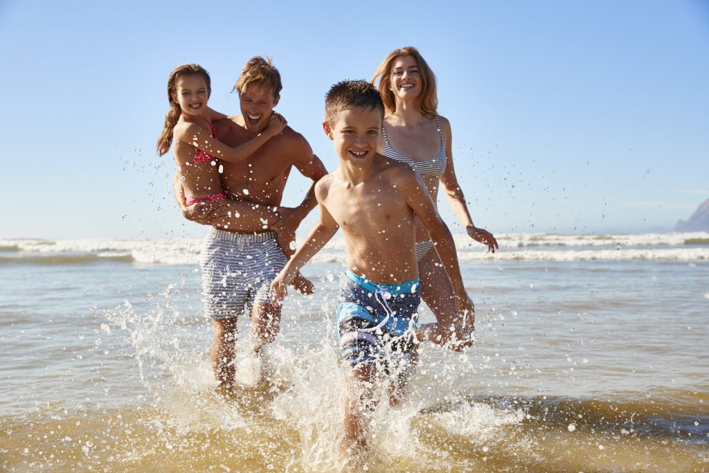 5 Beach Activities for the Whole Family